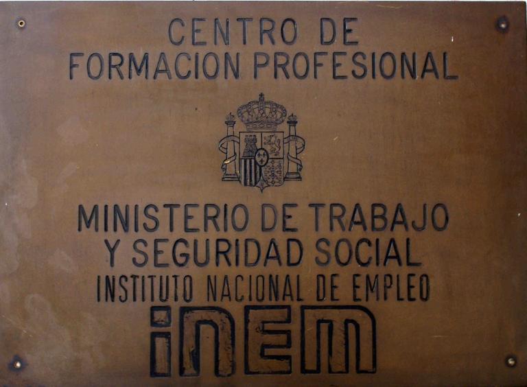 Placa Que Existía En La Fachada Del Edificio Cuando Entró En Funcionamiento
